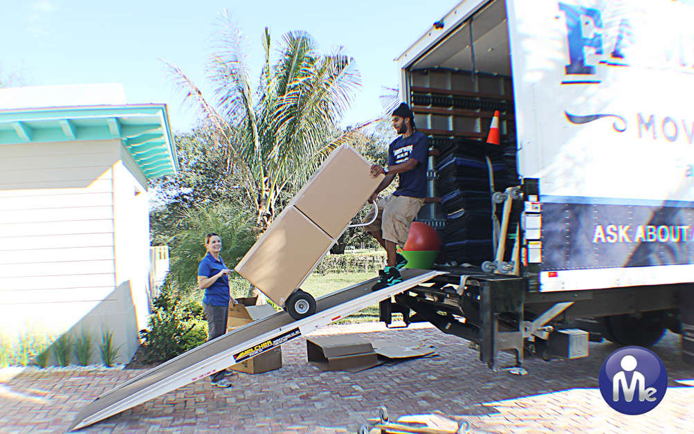 Organizing-Services-Moving-Truck