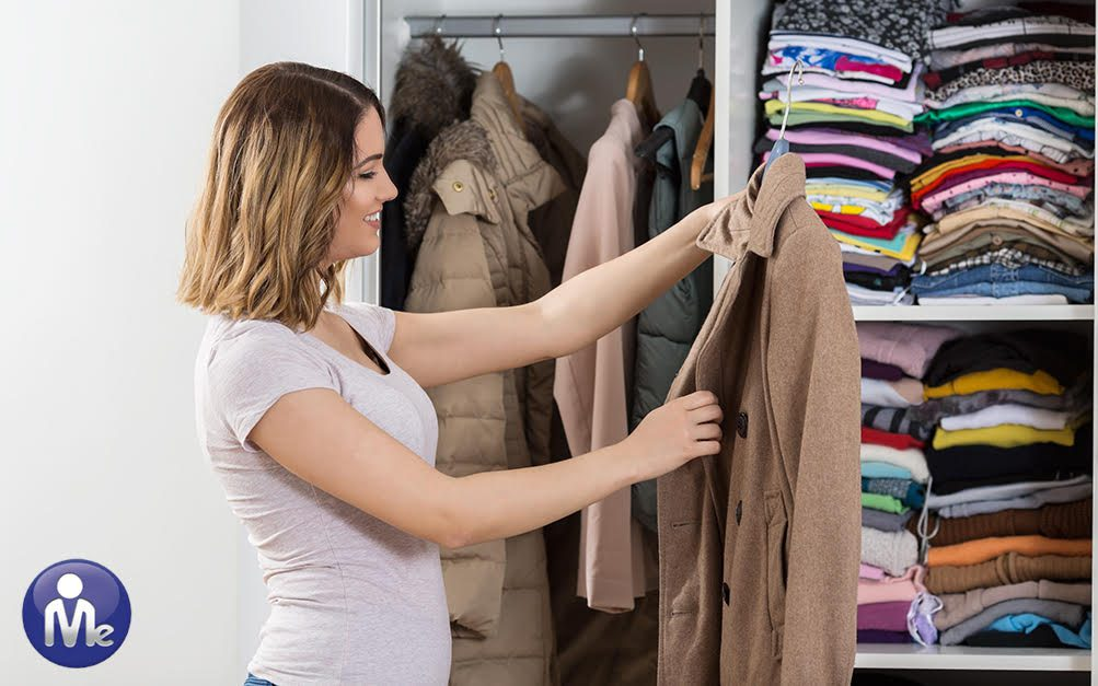 Declutter for Summer: Editing Your Closet